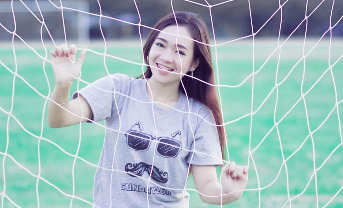 Le tee-shirt personnalisé pour femme à la conquête des dressings des dames