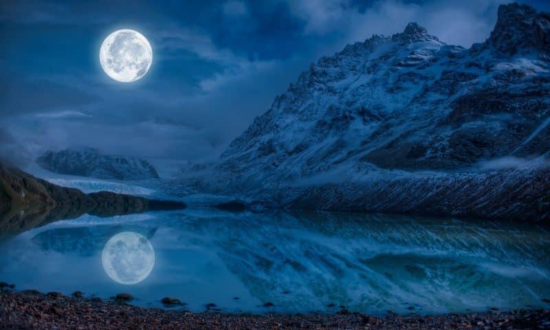 D'où vient la pierre de lune bleue?