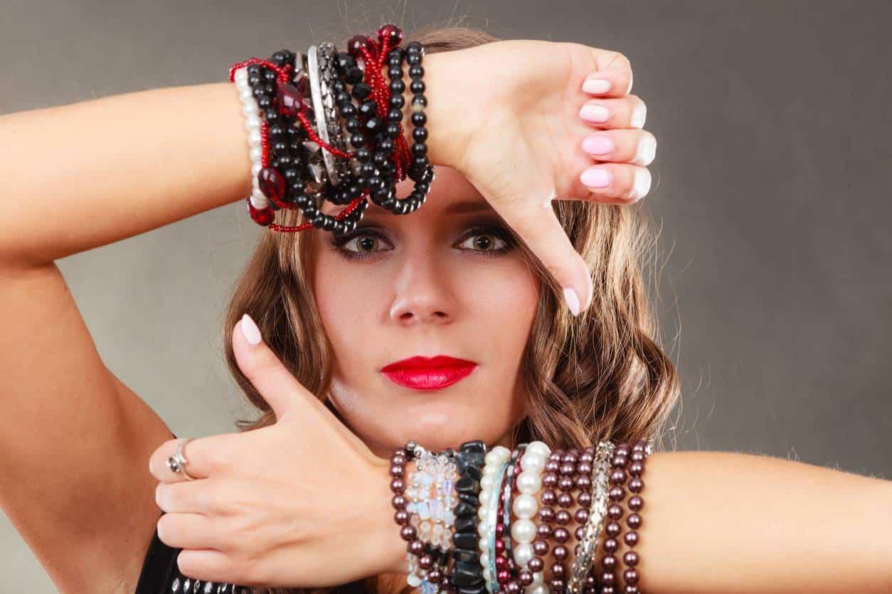 bijoux en pierres naturelles tenues estivales