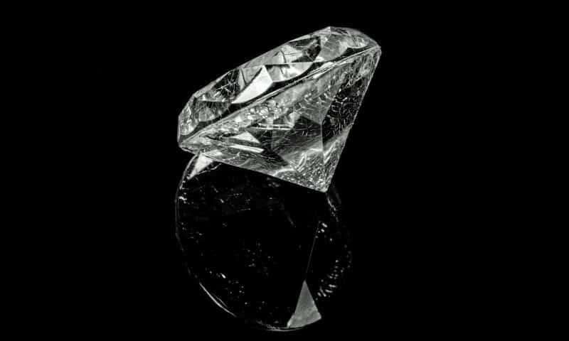 Le symbole du diamant chez la femme