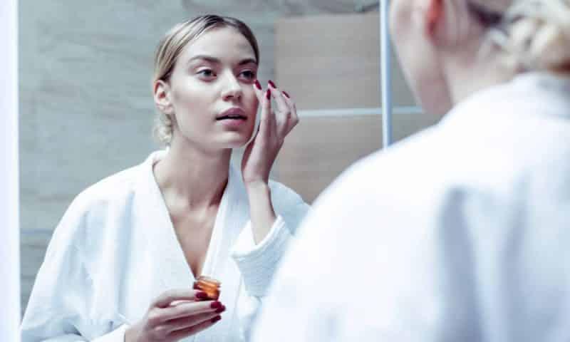 Acide hyaluronique : donnez un éclat de jeunesse à votre peau !
