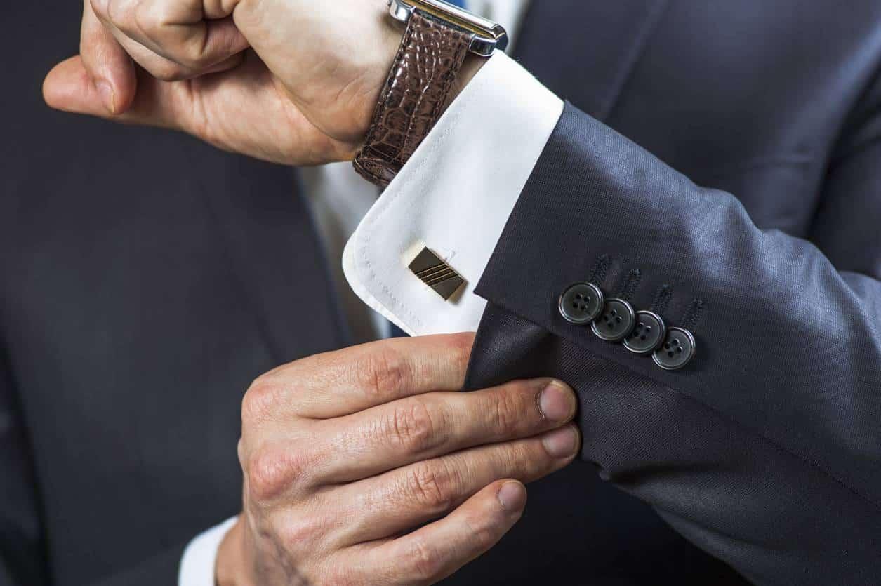 comment porter montre et bijoux de luxe